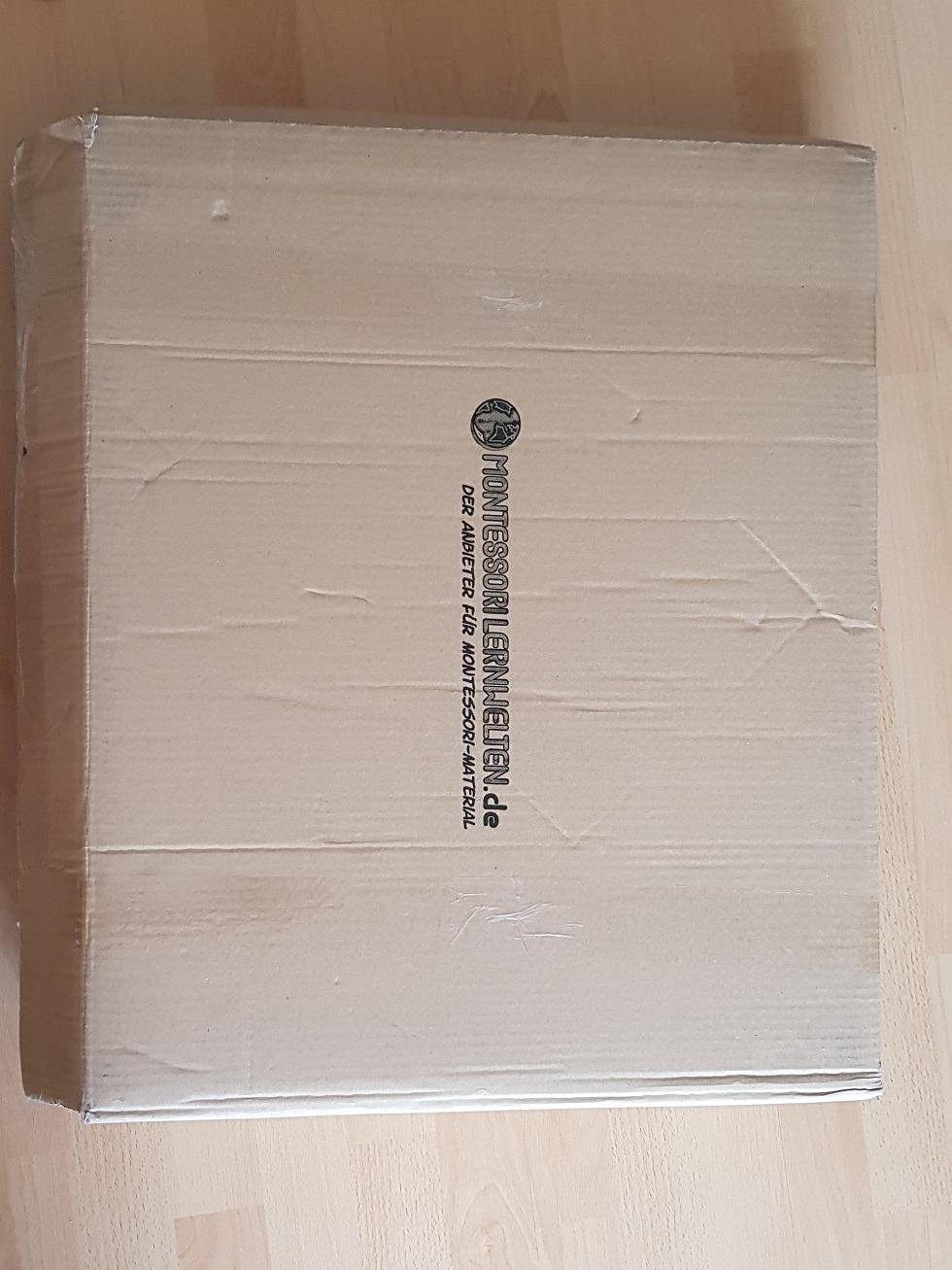 Karton Montessori