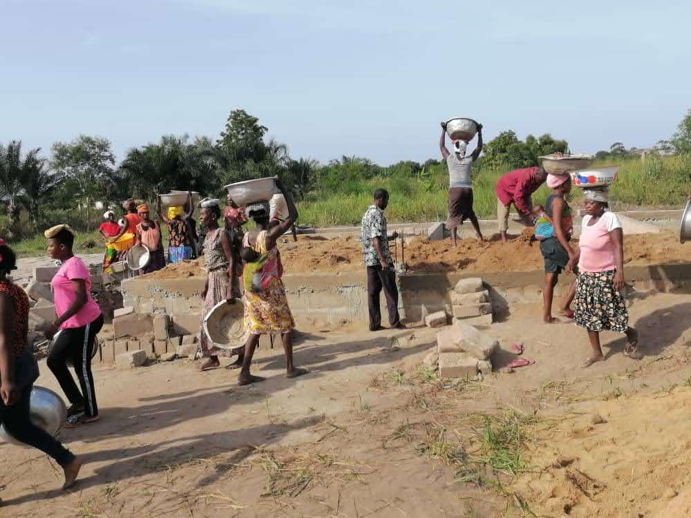 20. Mai Dorf hilft mit 4